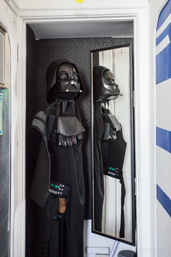 Darth Vader suit in Pelirocco