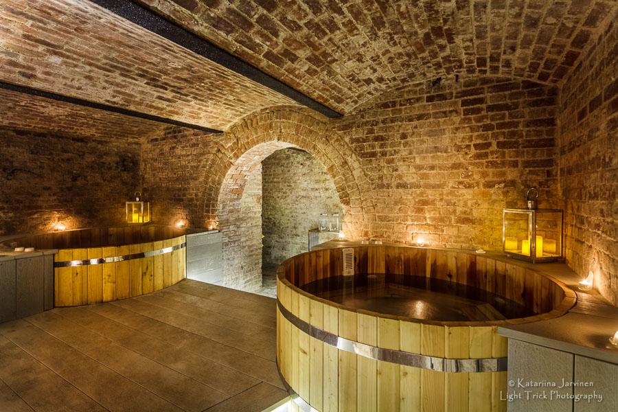 wooden barrel bathtubs