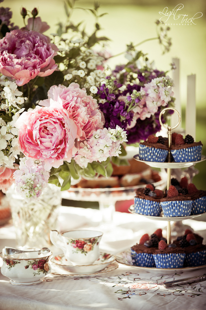vintage china, peonies, cupcakes, teacup