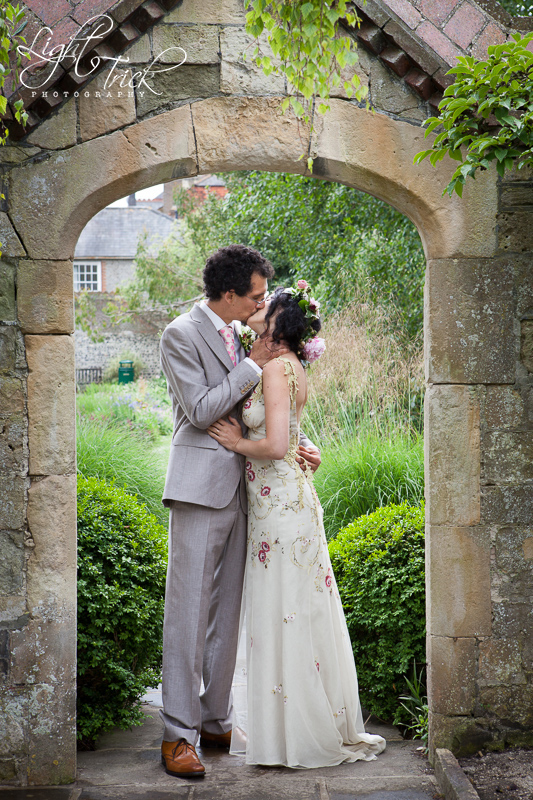 couple kissing - Southover Grange, Lewes, beautiful wedding venue