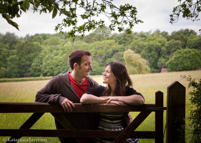engagement photo shoot countryside
